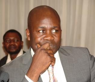 Le Député (de Bodjala, Opposition MLC) Jean-Lucien Bussa Tongba.